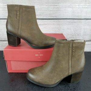 NEW  Bootie Almond Toe Ankle Boot Side Zip Booties